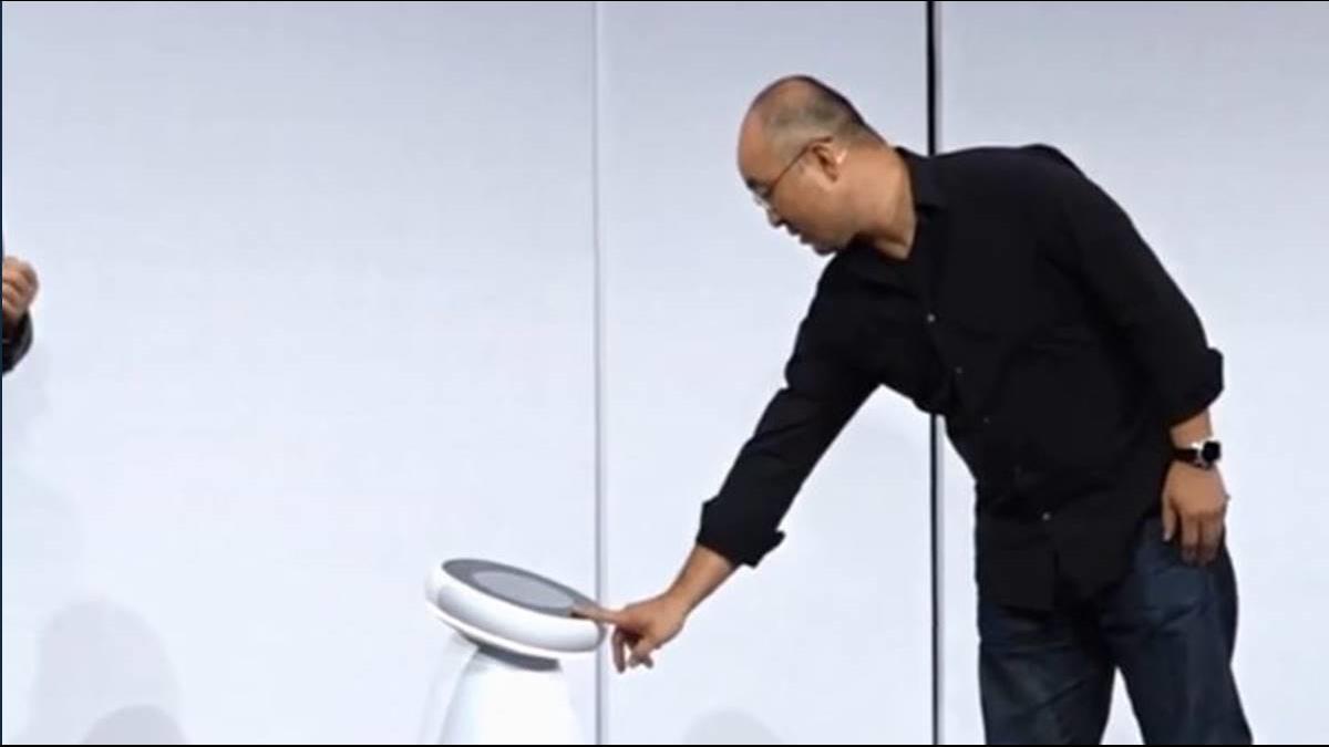 CES大展三星秀機器人 蘋果掛廣告酸谷歌