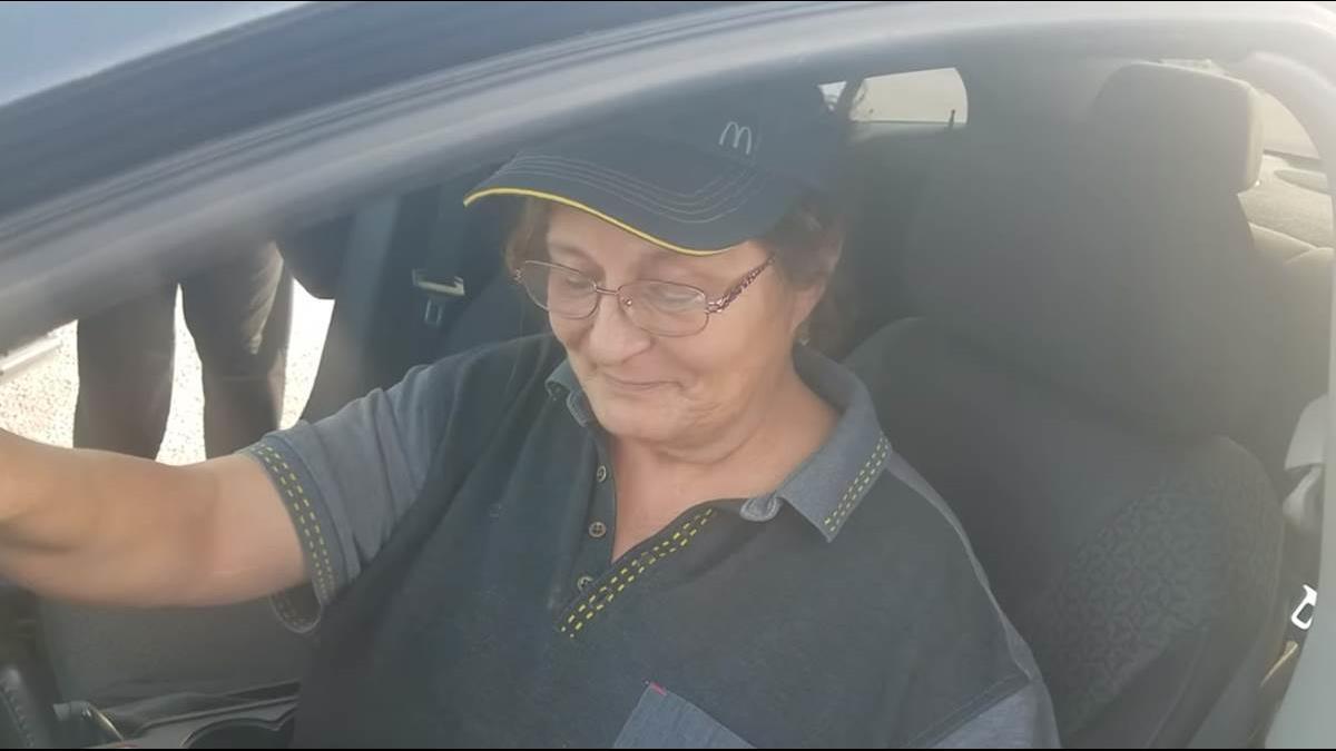 超暖!麥當勞員工車報銷 老顧客直接送她1串車鑰匙
