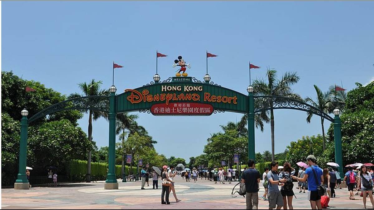 吃一餐人均破2千?香港迪士尼4年仍慘虧27億