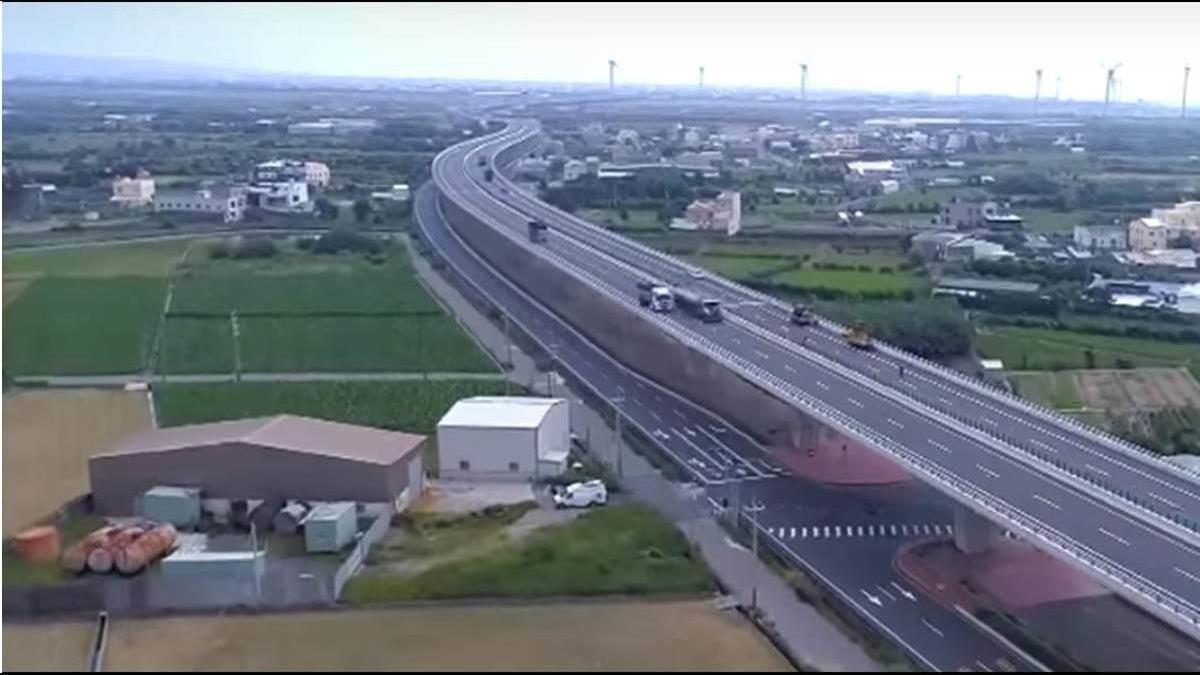 等了快30年!730億蓋「窮人高速公路」年底全線通車