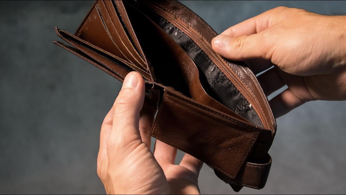 戒掉這7大消費習慣 小資族月存一半薪資不是夢