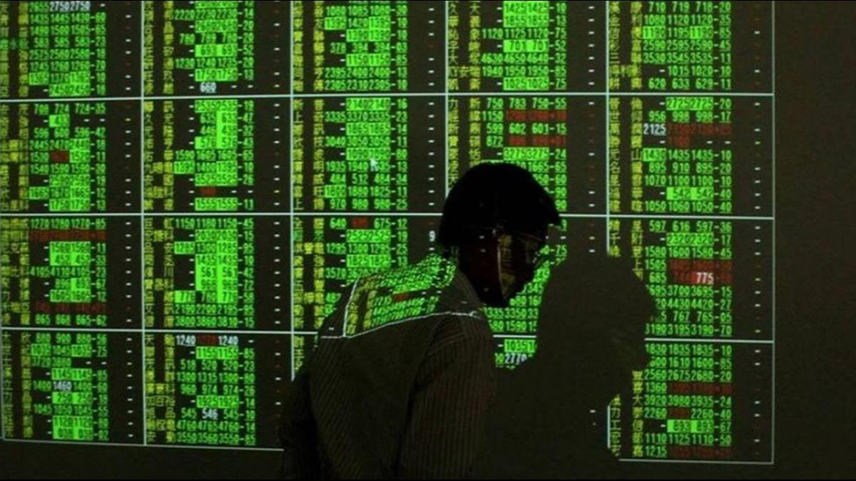 歐美股上週五狂瀉  台股今開盤重挫逾160點