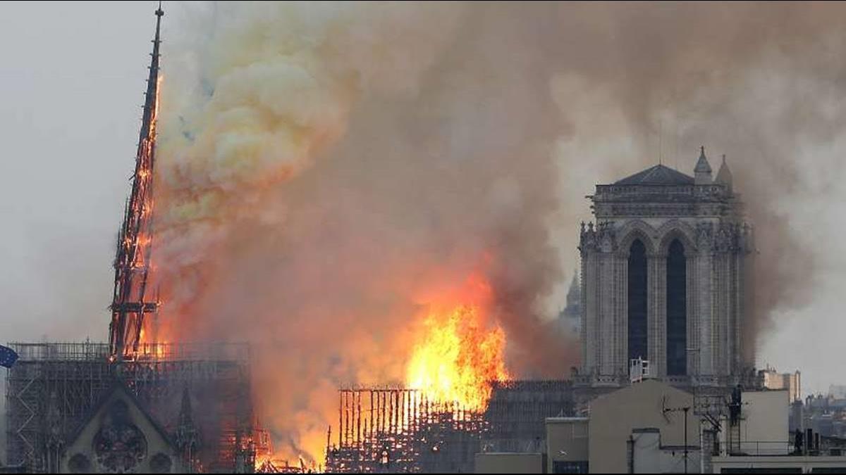 法觀光重創30億!聖母院大火重生 將用Gucci包打造?