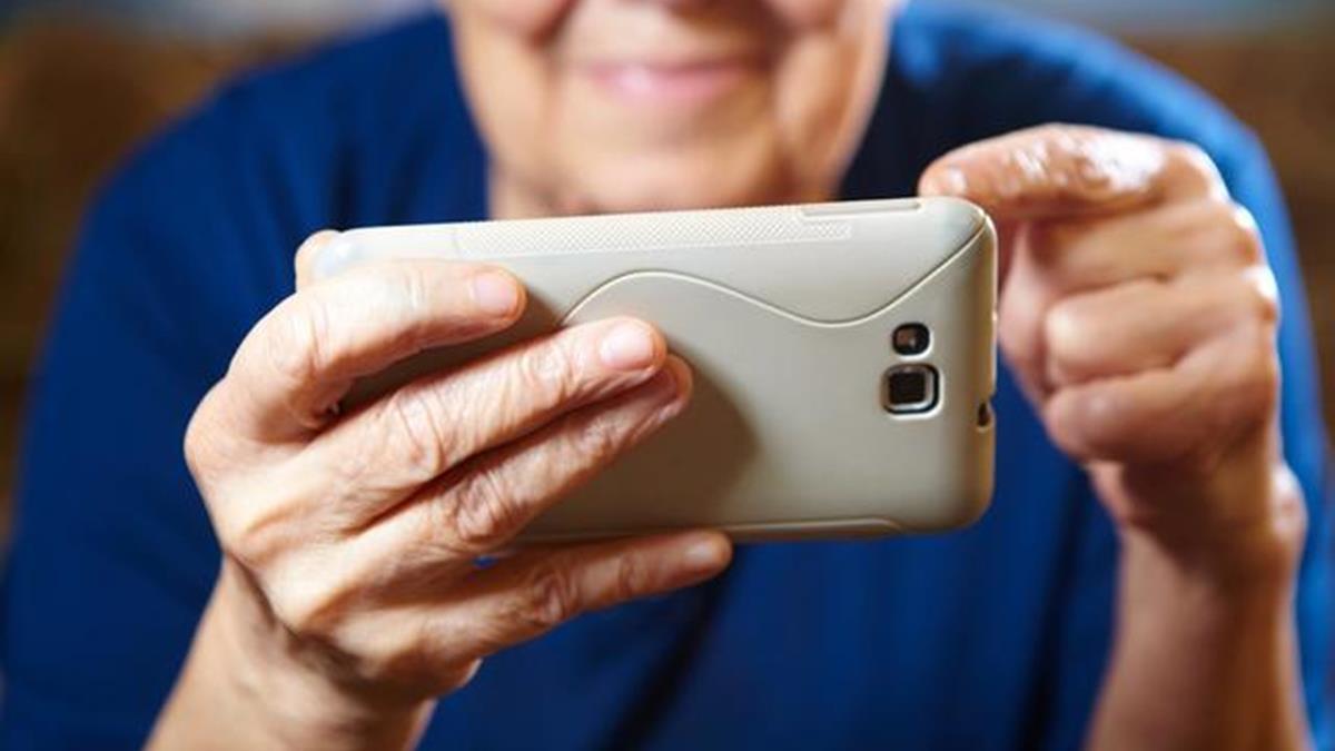 最新最貴就是好嗎?送長輩手機要把握4重點