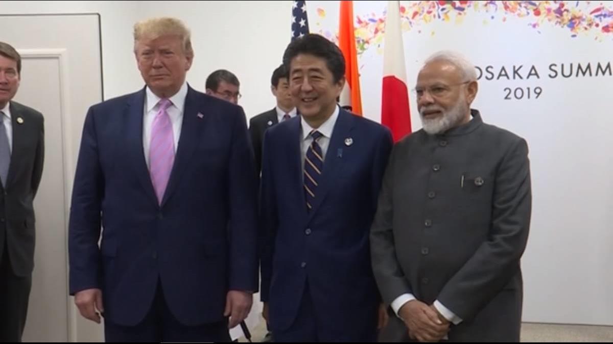 川普喊停美日安保條約!G20安倍靠1張紙逗樂他