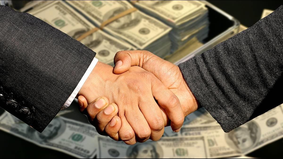 EPS高卻給44萬超低年薪?9上市櫃金融股遭點名