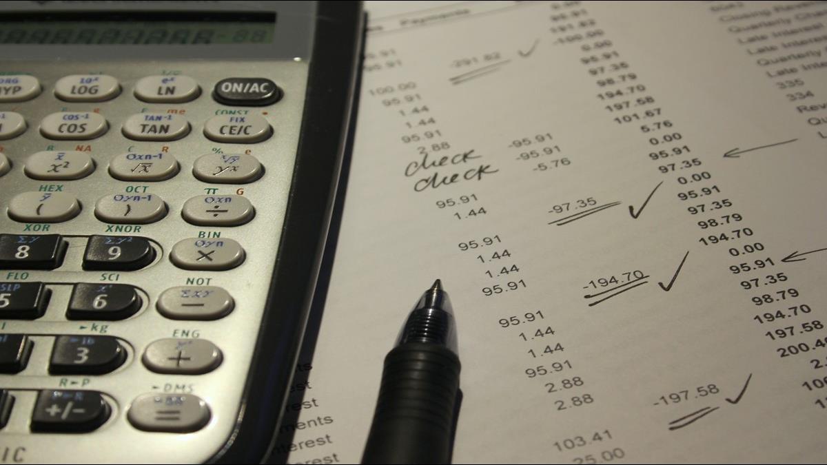 銀行理專推銷保單!金管會提醒3大陷阱須留意