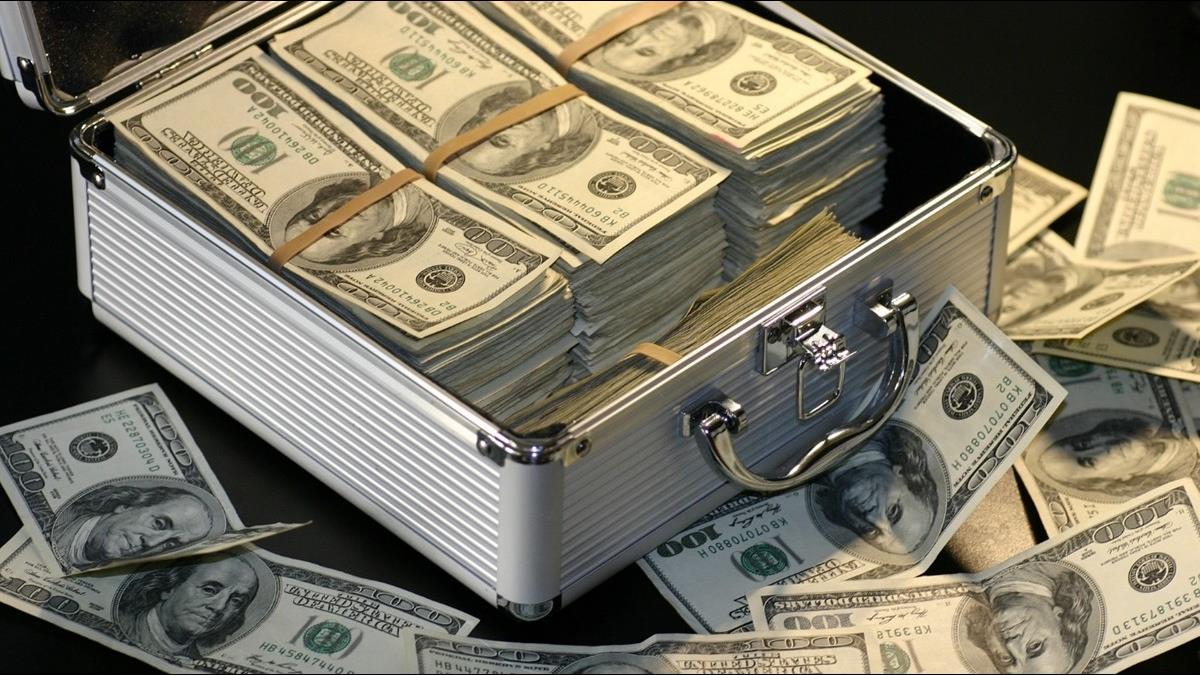 搶賺外幣高利定存要小心!專家提這3大陷阱