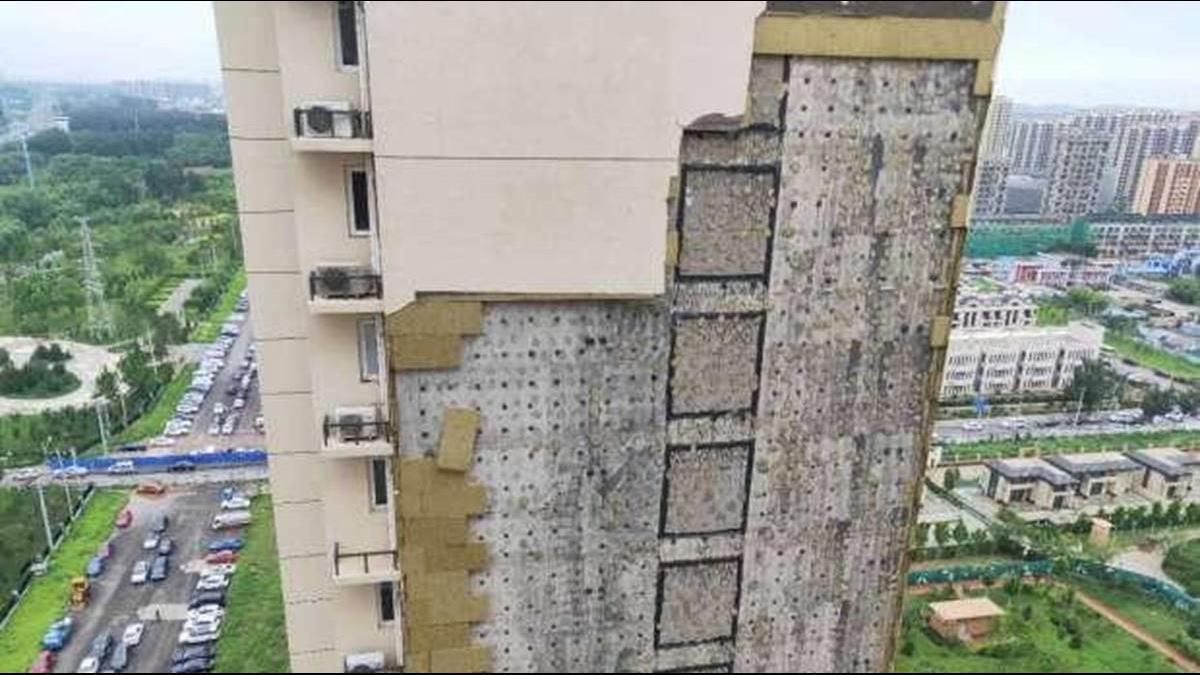 住1年外牆就脫落!1場大雨讓豆腐渣工程現形