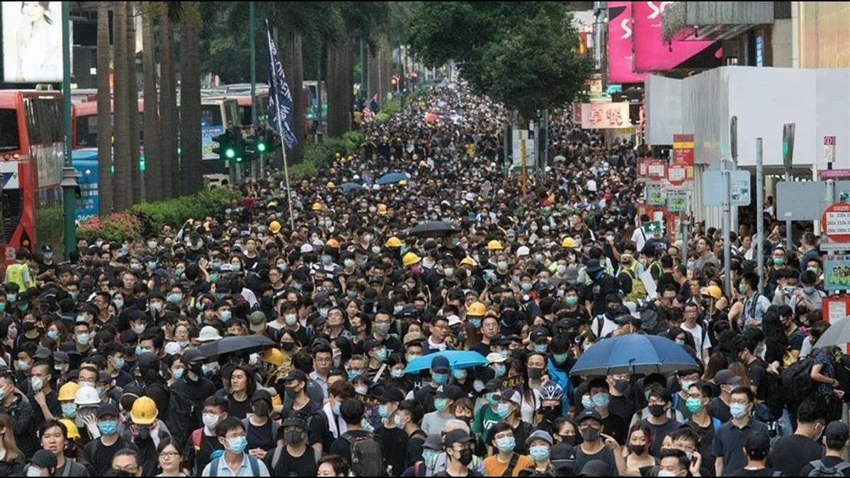 港傳發動銀行擠兌!香港金融中心地位不保?