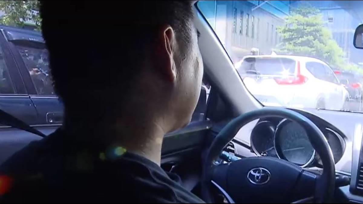 落魄獨身貴族總座 兼差開Uber周賺1萬