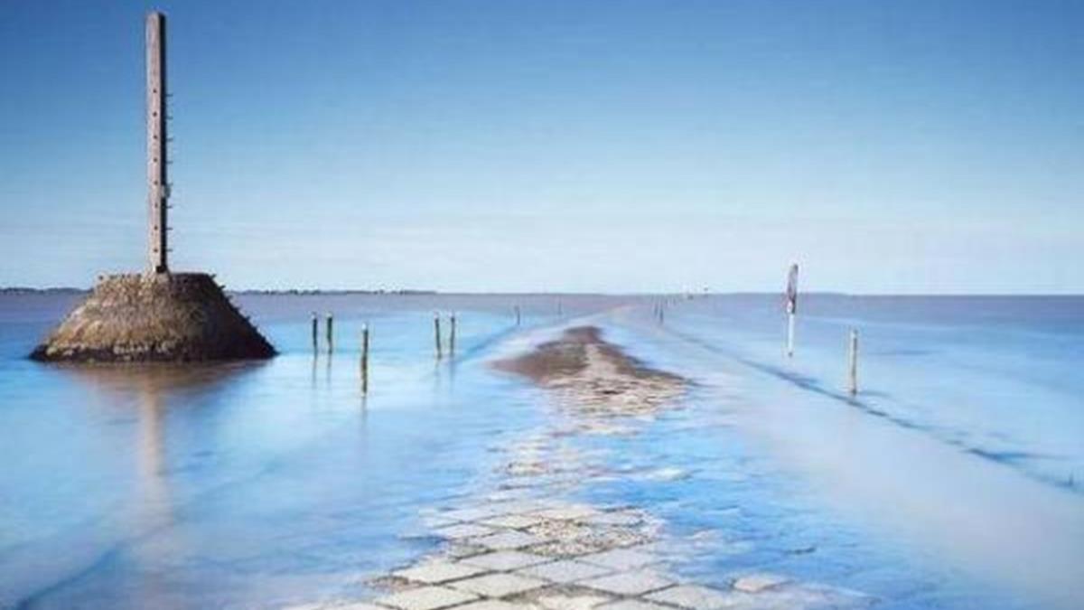 算錯時間就填海!世上最危險的海洋公路