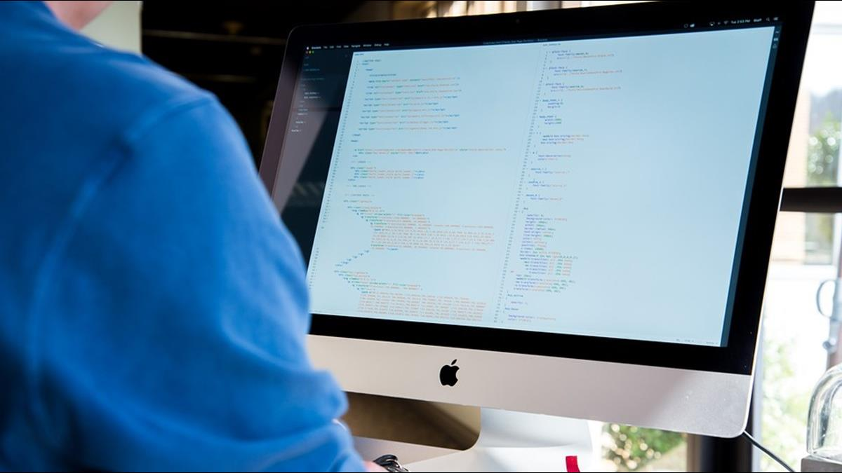 程式設計師抱怨禿頭又失眠 高薪曬出讓人稱羨:我願住公司!
