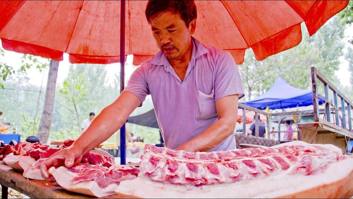 豬價暴漲46%吃不起?陸官媒籲:豬肉傷身少吃為好
