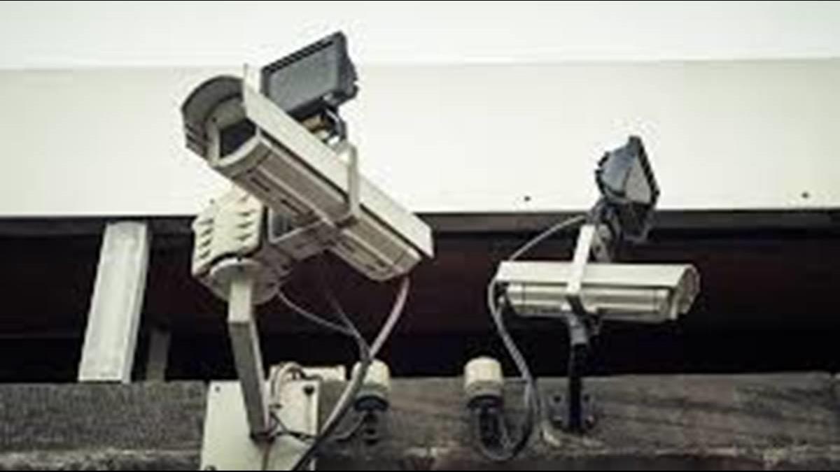 天眼監控還不夠! 陸推5G機器人上街巡邏零死角