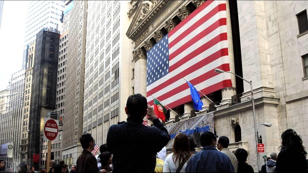 經濟利空衝擊!美股連兩天重挫道瓊再跌494點
