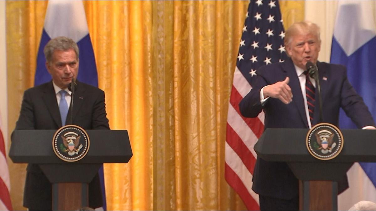 放鳥芬蘭總統!川普遭逼問電話門氣瘋轉頭就走