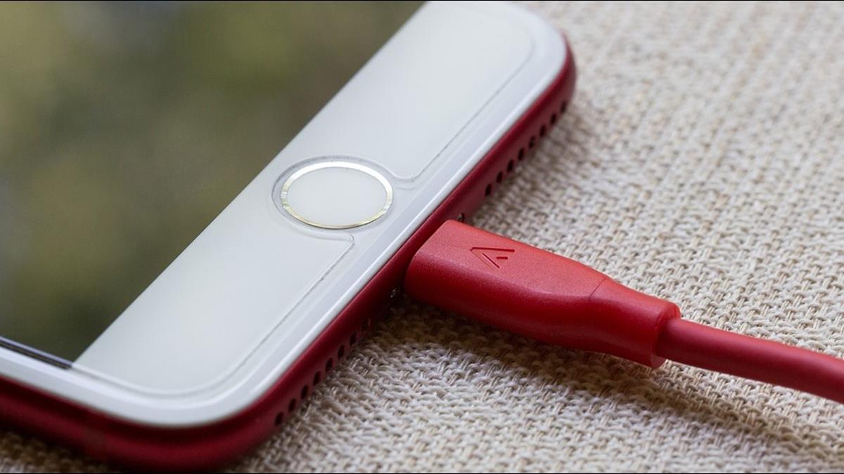 iPhone充電慢耗電快? 這些竅門讓電池健康更耐用!
