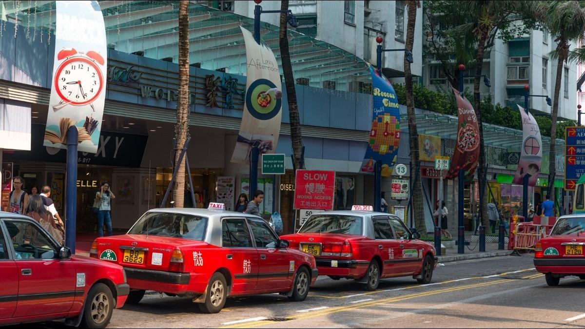 計程車司機月收砍5成!3大香港交通運輸業受重創