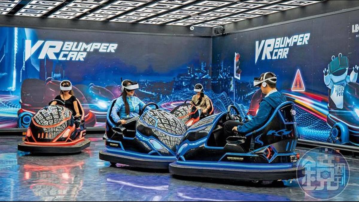 澳門搶銀行不怕警察抓!頂尖VR遊樂場供上百種遊戲任你玩