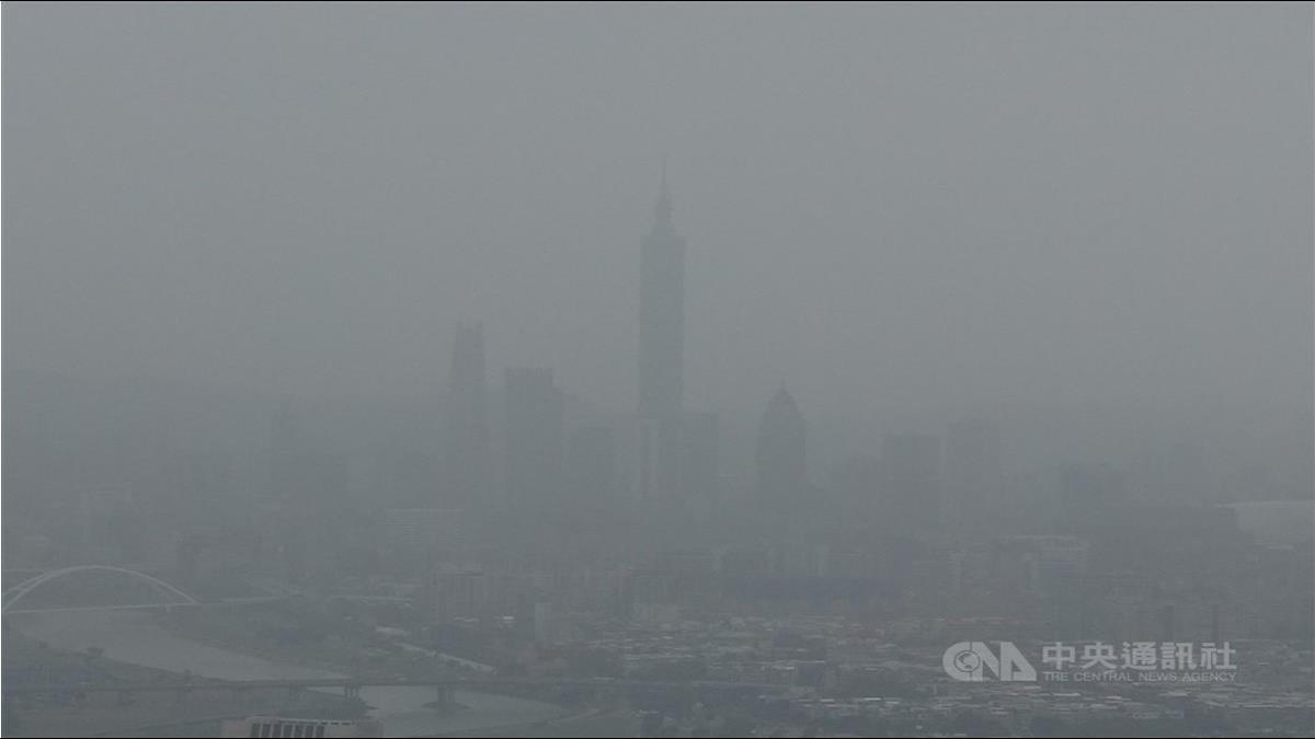 陸沙塵暴來襲!北台灣「紅爆」101被消失