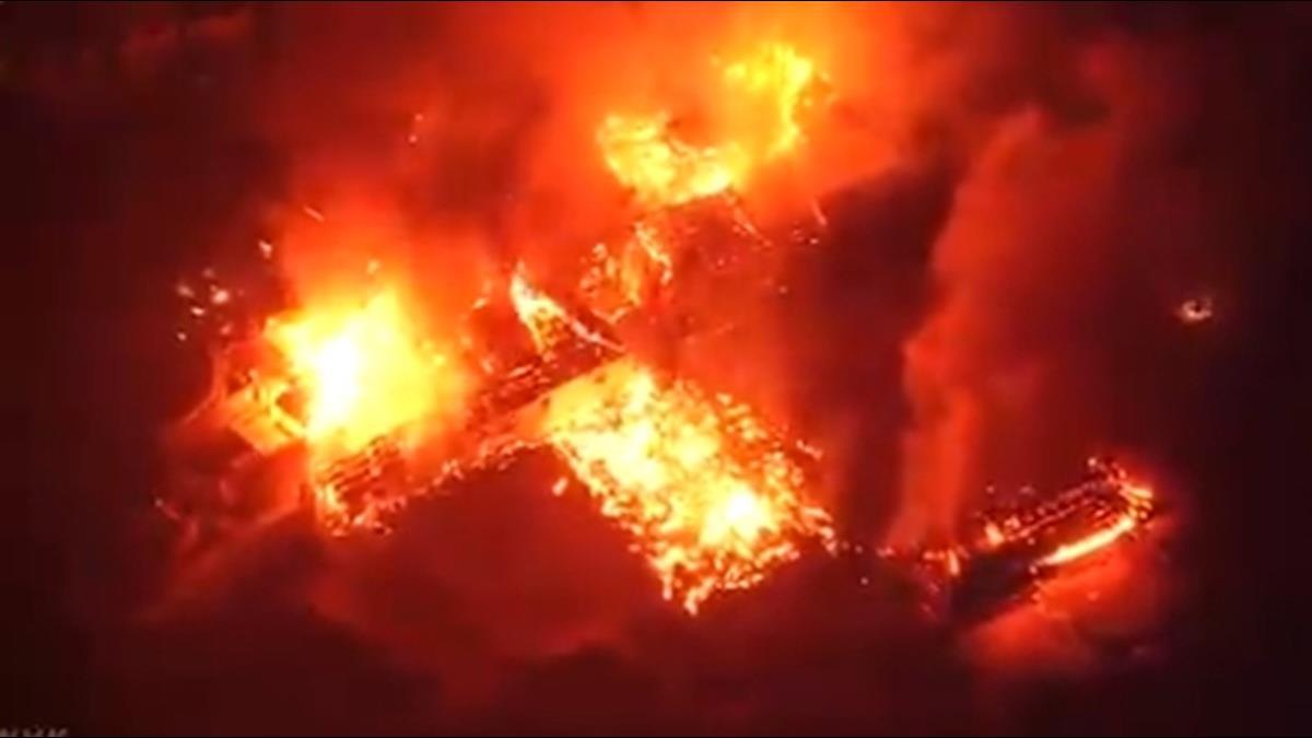 世界文化遺產遭祝融吞噬!沖繩首里城三大殿全燒光