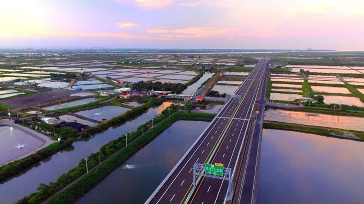 等了27年耗資1500億 台61西濱快速公路春節前全線通車
