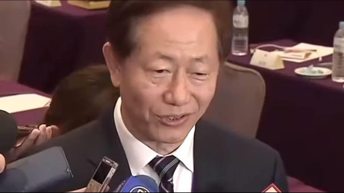 台積電盤中衝300元大關 董座劉德音妙回:真的呀?