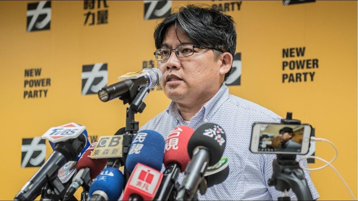 防疫假可不給薪 邱顯智籲:政府應比照SARS補貼