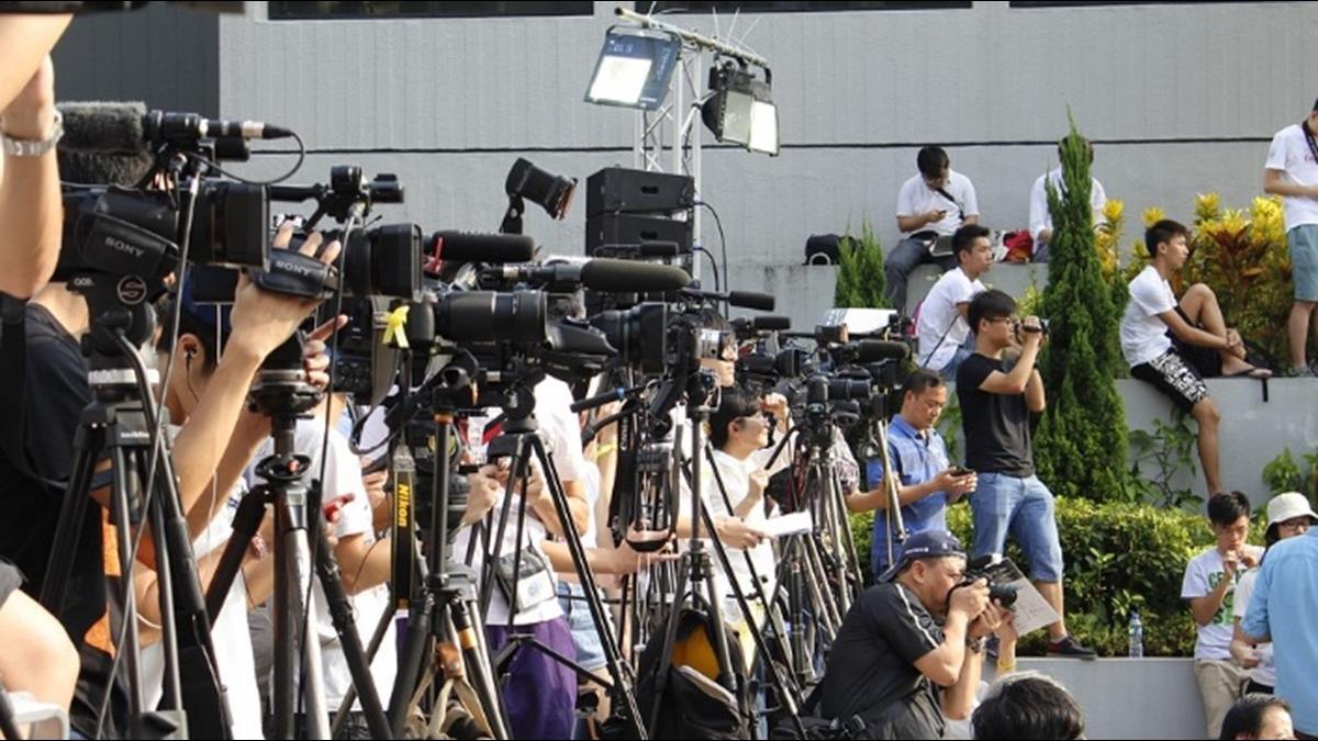 憂疫情引民怨 中共派300名記者深入疫區傳遞正能量