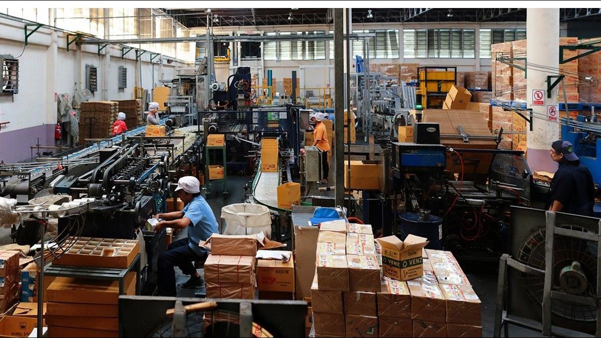 導入口罩生產線!鴻海工業富聯每日試產10萬個