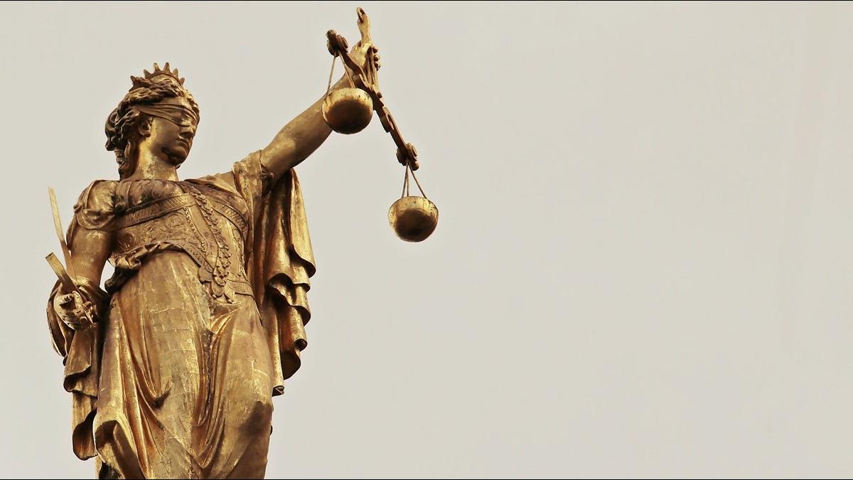 不自由毋寧死真實版! 聽聞監禁判決 俄貪官當庭舉槍自戕