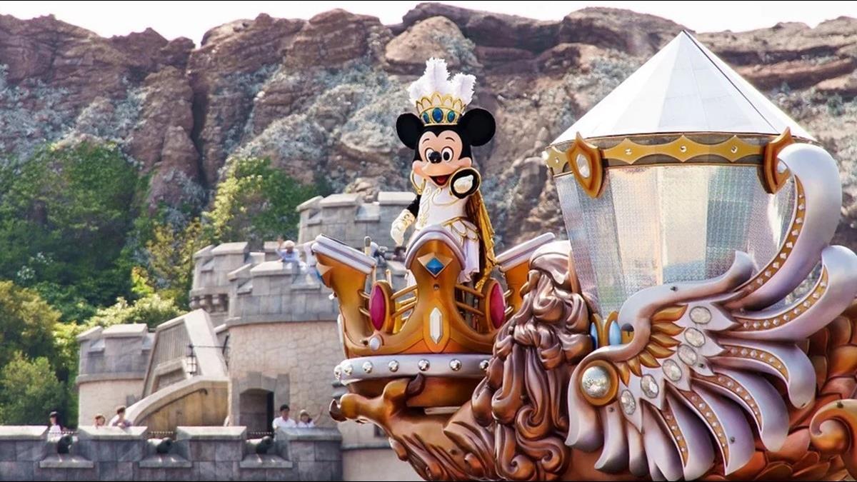 日本確診男發病擠滿員電車 台日網友見路線:迪士尼遊客慘了