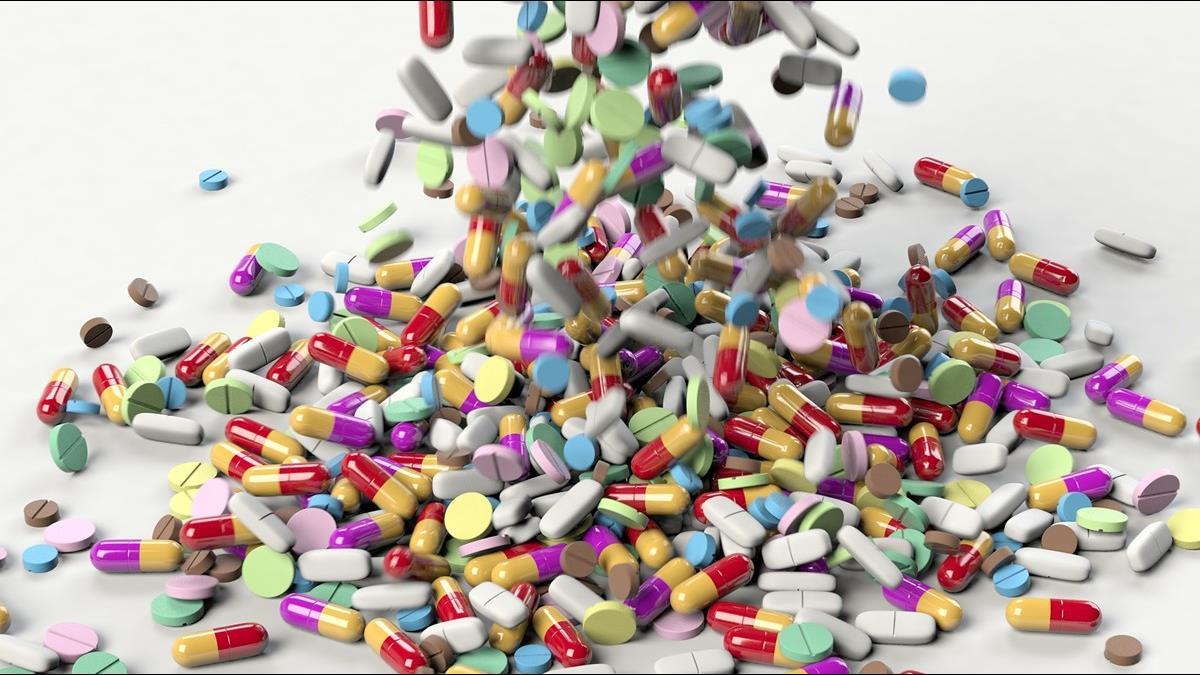 治療武肺關鍵藥物 美國衛生部長:隨時可能斷鏈