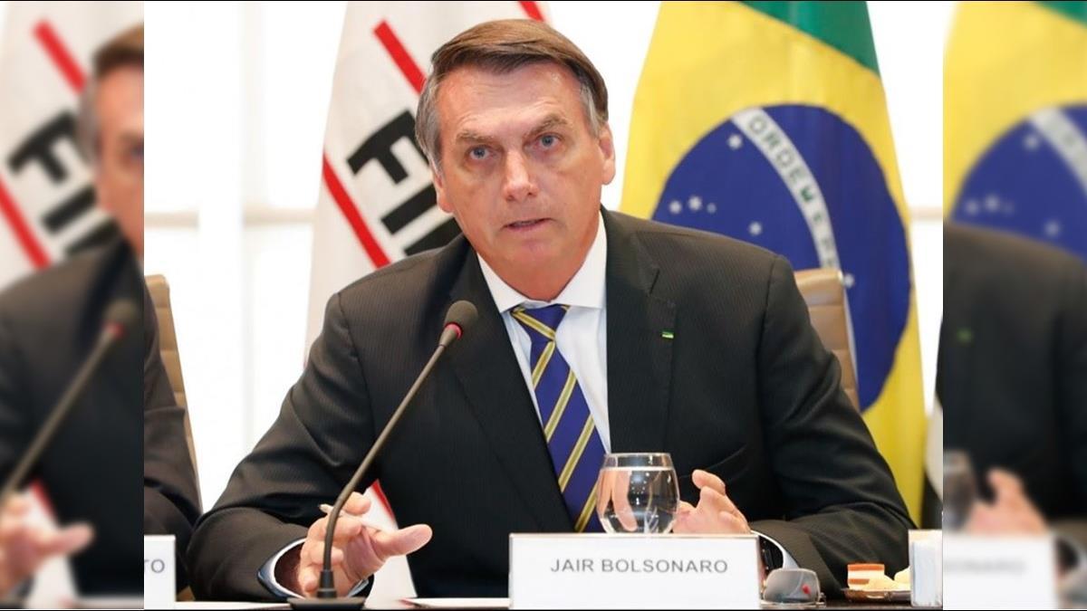 巴西總統訪美隨行22人 17人已確診武漢肺炎