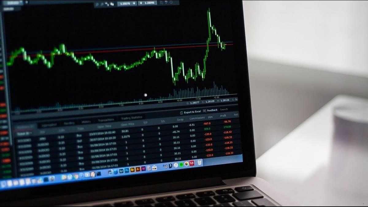 股匯雙殺 台股挫逾2%摜破9500 台幣貶3.4分