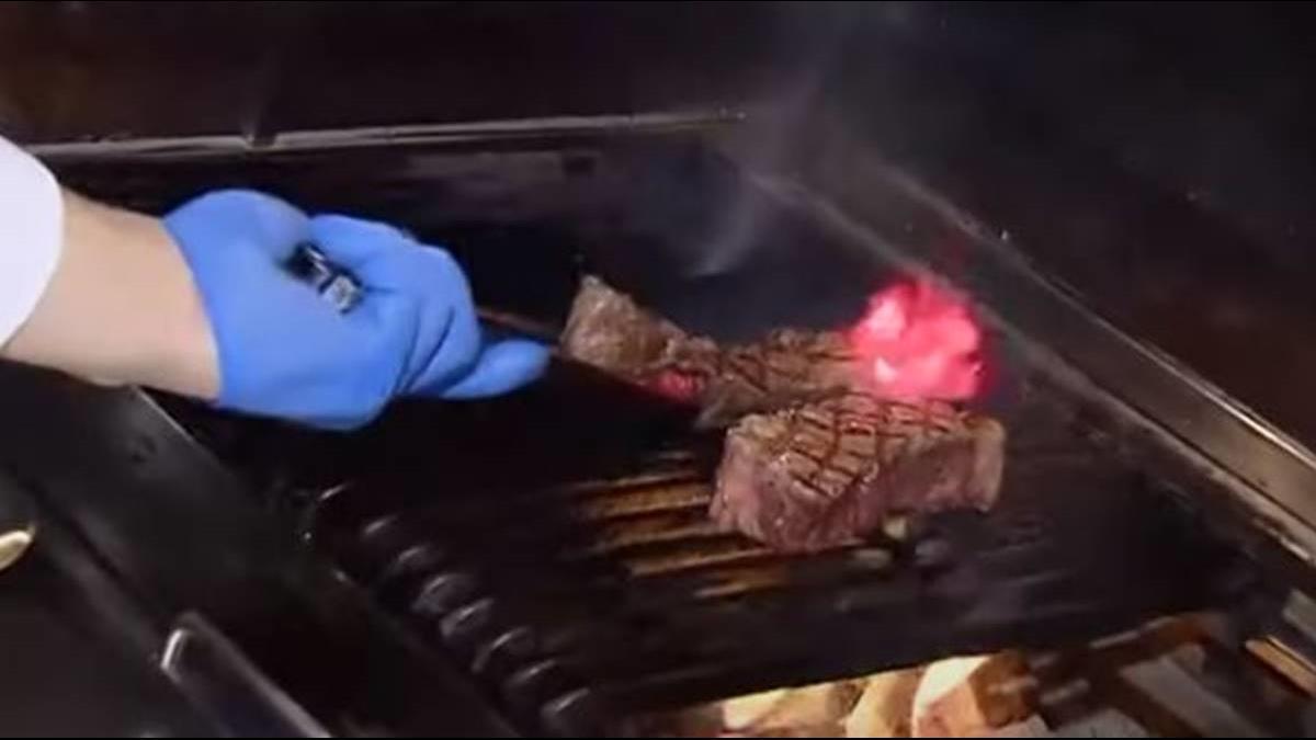 狂! 星級飯店餐桌能烤蝦 新鮮現撈吃到飽