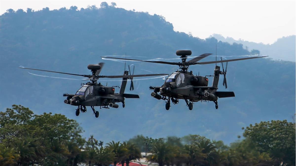 國軍直升機嚇哭孩!爸怒喊「滾回營區」:參謀總長鞠躬道歉