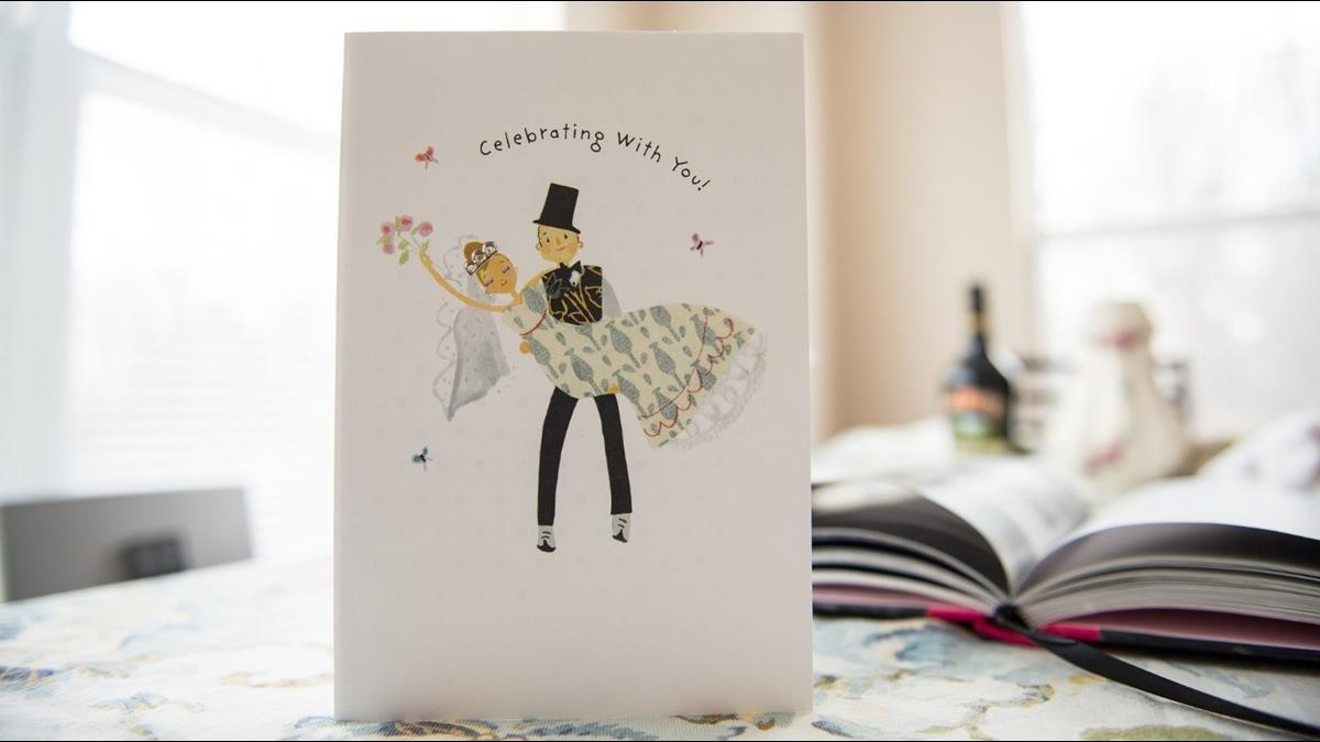 她收喜帖滿心祝福 卻被新娘一句話惹怒 網勸:別浪費錢