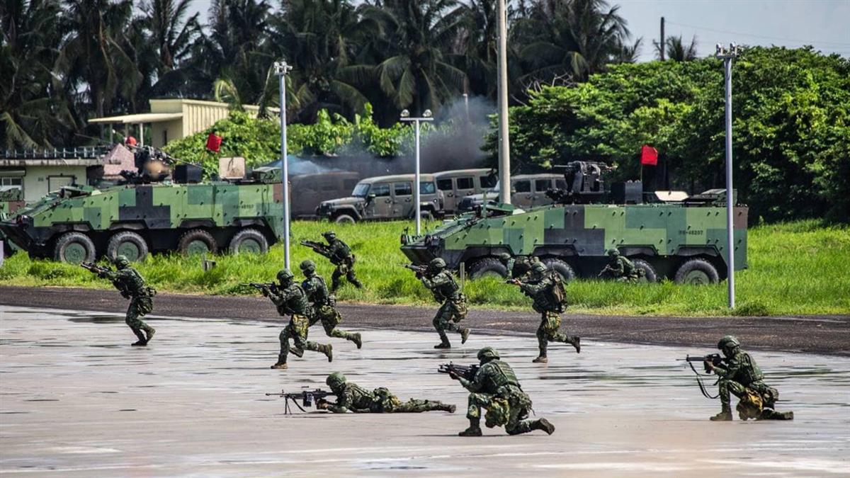 前國防部長曝台海危機 疾呼「恢復徵兵」:應召開國防改革會議