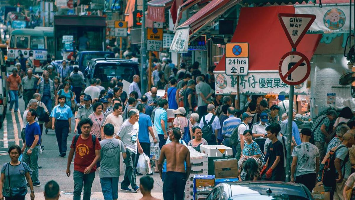 香港疫情反彈!專家建議:考慮重啟停課及在家工作