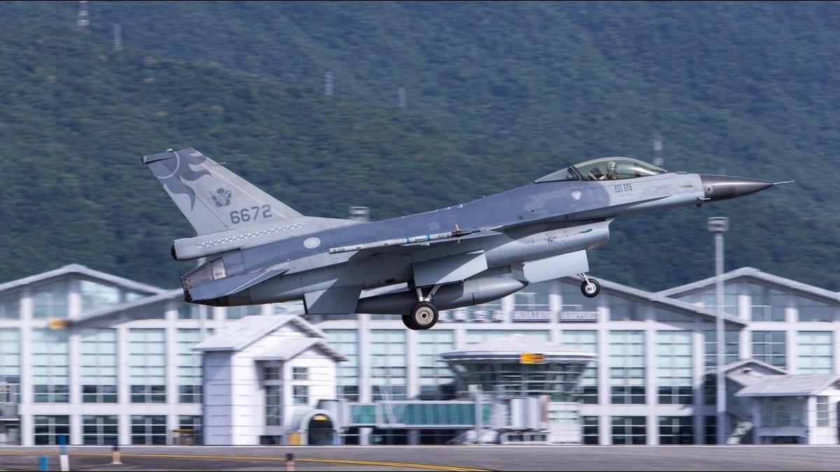 上校飛官未尋獲、同隊士官長自戕身亡 空軍司令部緊急回應
