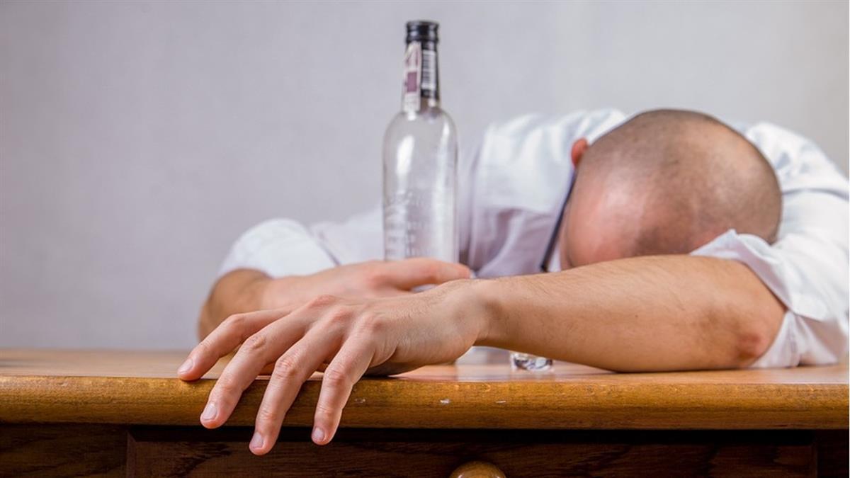 開趴酒喝不夠!家庭聚會改喝「69%消毒洗手液」 7人中毒丟小命